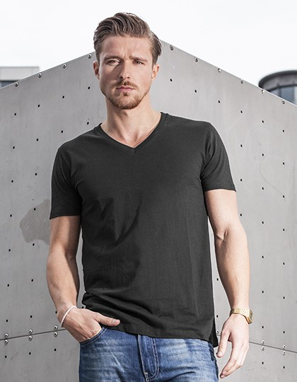 BYB Light T-Shirt V-Neck in 6 Farben Black